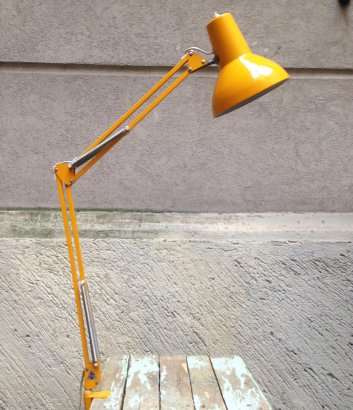 YELLOW CLAMP TABLE LAMP