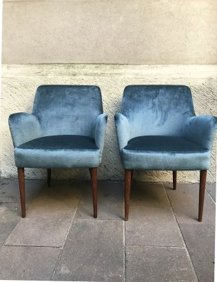 PAIR OF CASSINA LOW CHAIRS